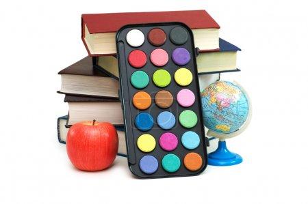 Photo pour Retour au concept scholl avec livres et articles scolaires - image libre de droit