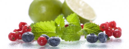 Fresh berries with mint and lime