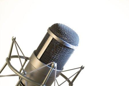 Photo pour Microphone sur fond blanc . - image libre de droit