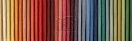 Foto de Muestras coloridas de tela - Imagen libre de derechos