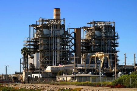 Photo pour Centrale au gaz naturel près de Ventura Californie . - image libre de droit