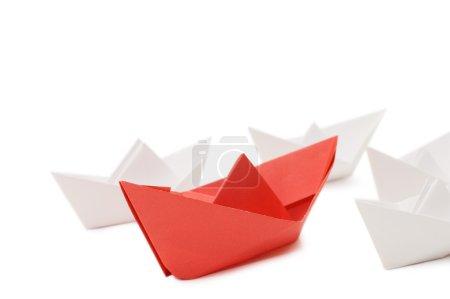 Photo pour Navires en papier isolés sur fond blanc - image libre de droit