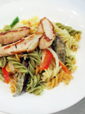 Grilled chicken breast with fusilli