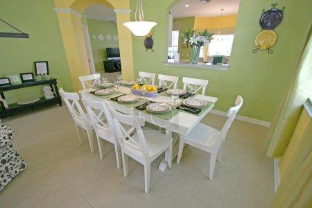 Photo pour Une salle à manger dans une maison en Floride . - image libre de droit