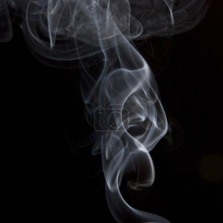 Foto de Humo sobre fondo negro - Imagen libre de derechos
