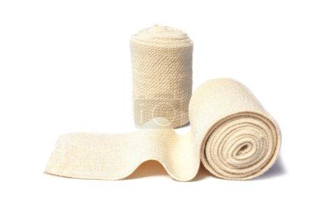 Photo pour Bandage élastique isolé sur blanc - image libre de droit