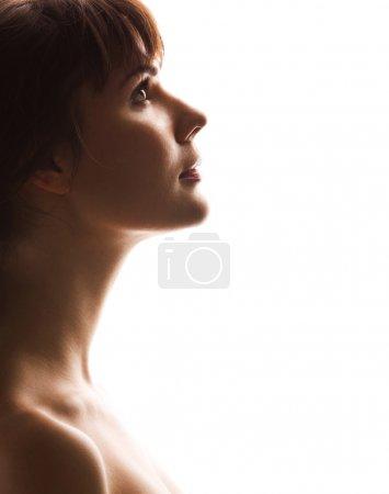Photo pour Portrait d'une belle fille. Profil - image libre de droit
