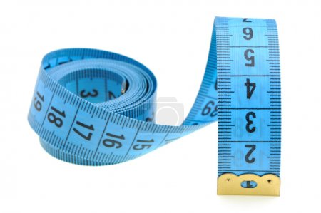 Photo pour Ruban à mesurer de la couleur bleu tailleur. Il est isolé sur un fond blanc - image libre de droit