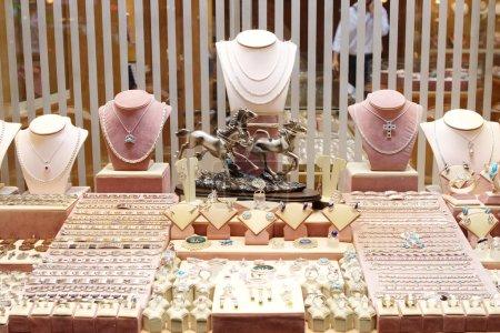 Photo pour Bijoux boutique devanture en Egypte - image libre de droit