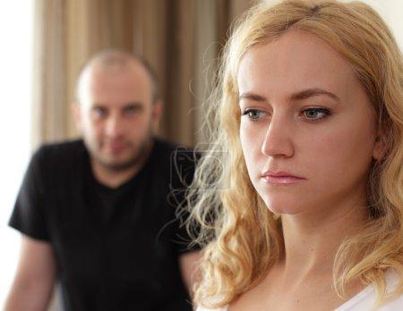 Photo pour Conflit entre l'homme et la femme - image libre de droit
