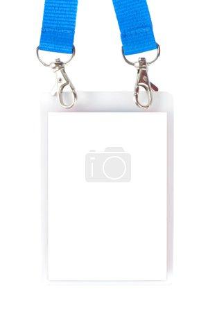 Photo pour Badge avec supports et bretelles bleues isolés sur fond blanc - image libre de droit