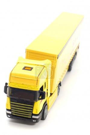 Photo pour Objet sur jouet blanc camion jaune - image libre de droit