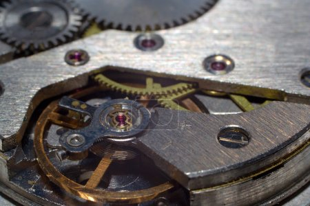Close-up clock mechanism