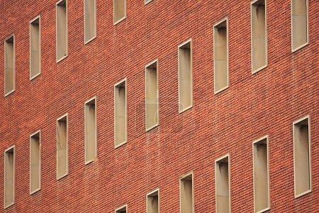 Photo pour Maison d'un étage, beaucoup vivent dans - image libre de droit