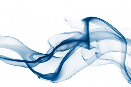 Photo pour Fumée bleue abstraite sur fond blanc - image libre de droit