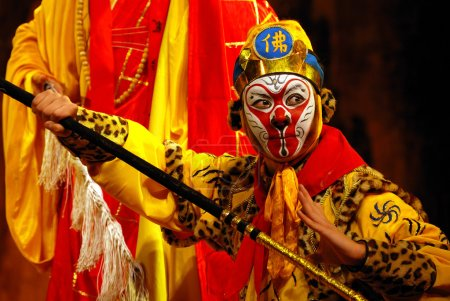 Photo pour China Opera Monkey King, C'est une performance de l'opéra du Sichuan.L'histoire est Voyage vers l'Occident. Le Roi Singe est un acteur majeur . - image libre de droit