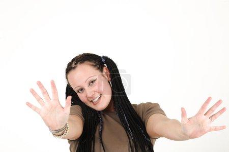 Photo pour Jeune femme s'apprête à dire au revoir - image libre de droit