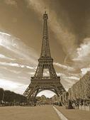 Az eiffel-torony Párizsban