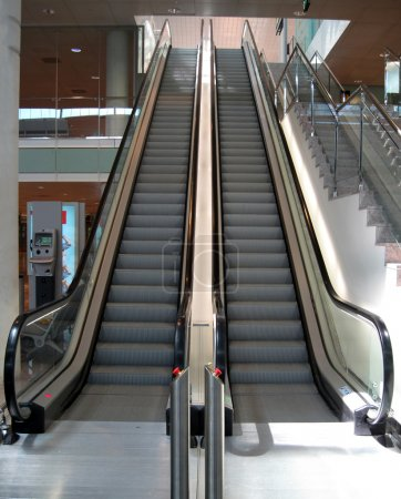 Double Escalator going up