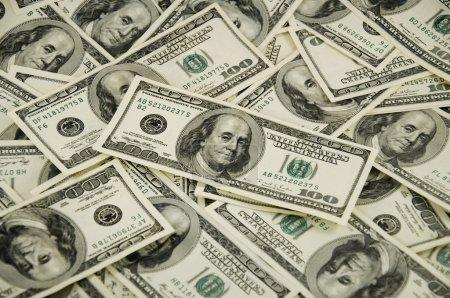 Photo pour Gros tas de dollars États-Unis - image libre de droit