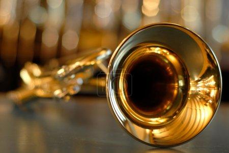 Photo pour Instrument à vent doré - image libre de droit
