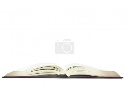 Photo pour Livre ouvert tourné sur un fond blanc - image libre de droit