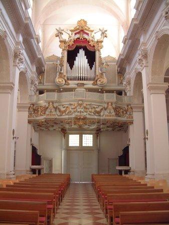 Photo pour Majestueux orgue ancien dans la cathédrale de dubrovnik - image libre de droit