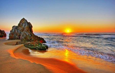 Photo pour Lever de soleil sur la plage à Tathra, NSW - image libre de droit