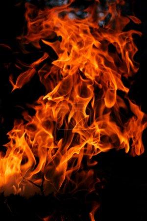 Foto de Fuego caliente y lluvia dorada - Imagen libre de derechos