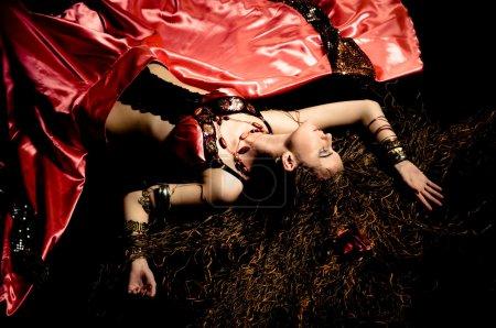 Photo pour Danseuse de flamenco - image libre de droit