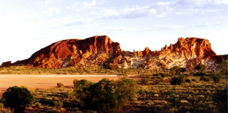 Photo pour Rainbow Valley dans le Territoire du Nord, Australie - image libre de droit