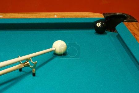 8 ball bridge shot
