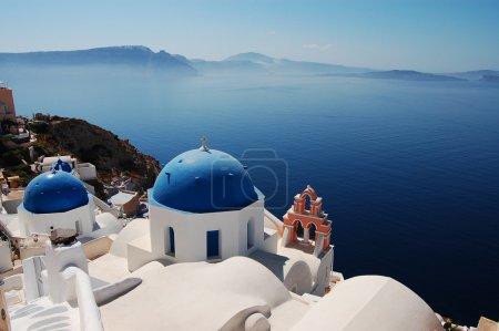 Photo pour Belle vue à Oia (île de Santorin, Grèce) ) - image libre de droit