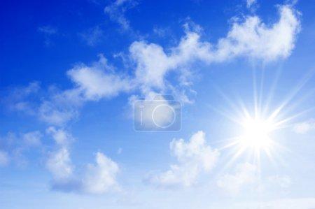 Photo pour Nuages et ciel magnifique - image libre de droit