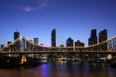 Photo pour Brisbane Australie de nuit - image libre de droit