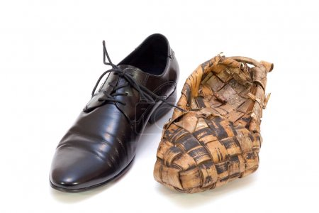 Men's shoes and Russian bast shoes