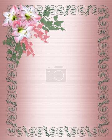 Photo pour Fleurs d'Amaryllis en pleine floraison sur fond blanc avec des parchemins verts pour mariage, Pâques, journée ou partie invitation avec espace copie des mères. - image libre de droit