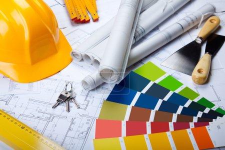 Photo pour Plans de construction, clés et autres! - image libre de droit