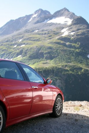 Альфа Ромео в швейцарских горах