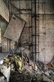 Nefunkční výtahové šachty
