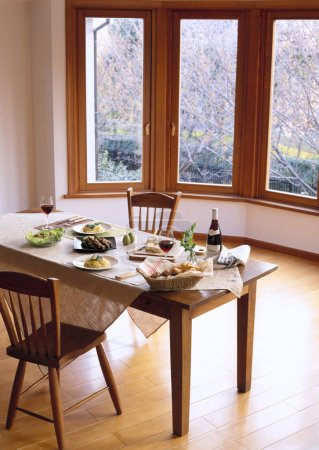 Pleasant Dining Table