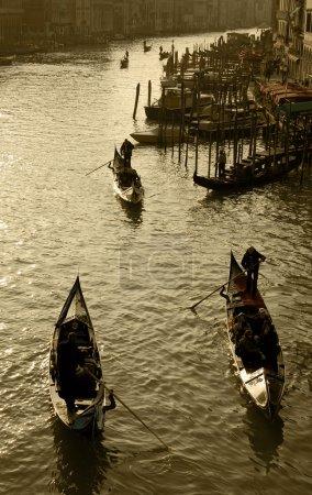 Photo pour Photo rétro du Grand Canal et des gondoles à Venise, Italie - image libre de droit