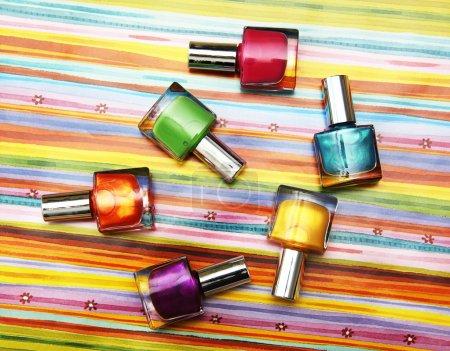 flacons de vernis à ongles de couleur