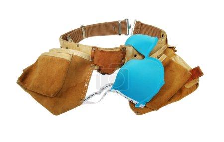 Photo pour Lingerie féminine appel n'est pas juste sous-vêtements lorsqu'il est combiné avec une ceinture d'outil - chemin d'accès inclus - image libre de droit