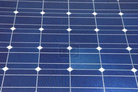 Foto de Un conjunto de paneles solares fotovoltaicos. energía alternativa - Imagen libre de derechos