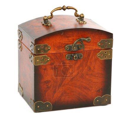 Photo pour Tronc en bois antique sur blanc - image libre de droit