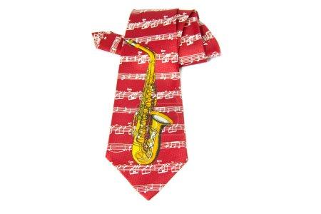 Photo pour Cravate avec un saxophone dessus, isolée sur fond blanc - image libre de droit