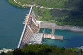 Water barrier dam