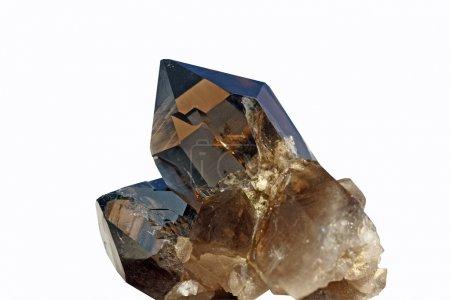 Photo pour Vue détaillée d'un cristal brun trouvé dans les Alpes suisses - image libre de droit