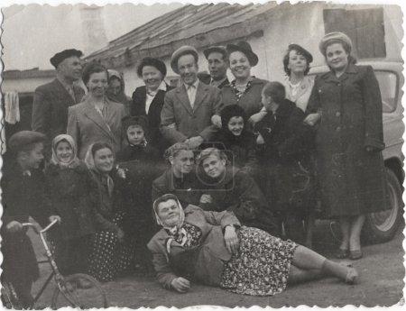Photo pour Portrait de famille, de tous âges. URSS, au milieu du siècle 20 - image libre de droit